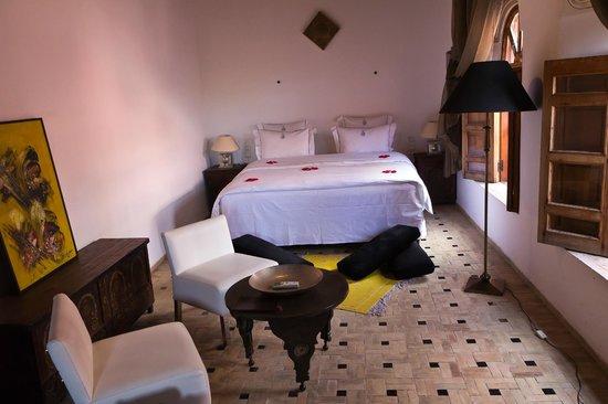 Riad Layla: la chambre donnant sur le toit en terrasse