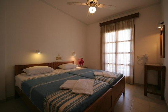 Castro Hotel Kamari: Room