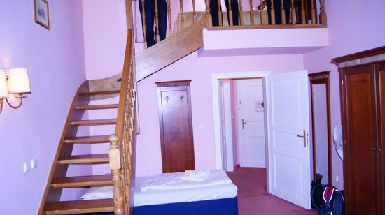 Hotel Louis Leger: Лесница