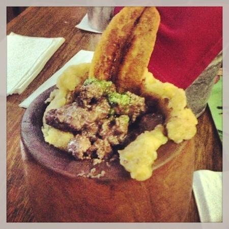 Restaurante Raices: Mofongo Relleno De Churrasco Cn Chimichurri
