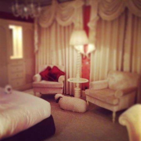 The Goring: Delightful Kind Bedded Room