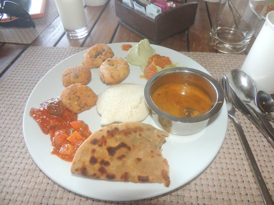 Vivanta by Taj - Holiday Village, Goa: Indian Breakfast