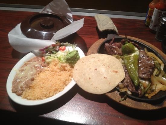 Anejo's Bistro and Bar : carne asada w/cactus & onions