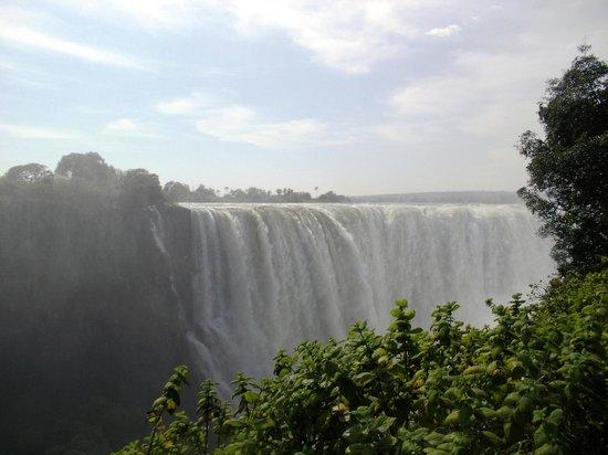 Mosi-oa-Tunya / Victoria Falls National Park: Wonder of the world
