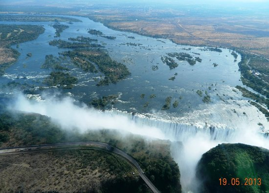 Mosi-oa-Tunya / Victoria Falls National Park: Wonder of the world