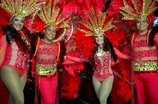 Aruba: Get a taste of Carnival at the Carubbian Festival in San Nicolas