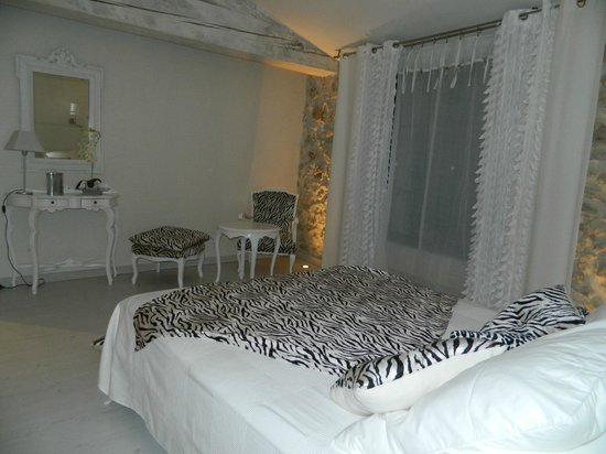 Au Paradis Cathare : chambre blanche