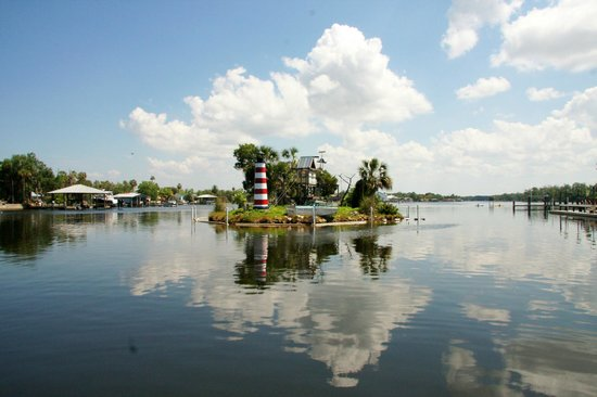 Homosassa Riverside Resort : Money Island