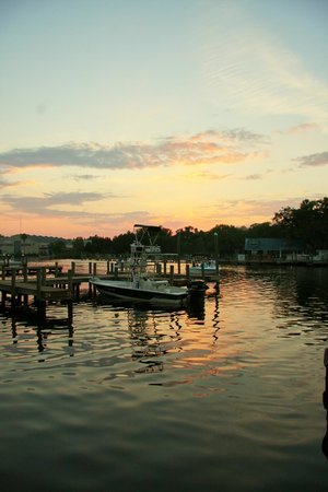 Homosassa Riverside Resort : River View At Sunset