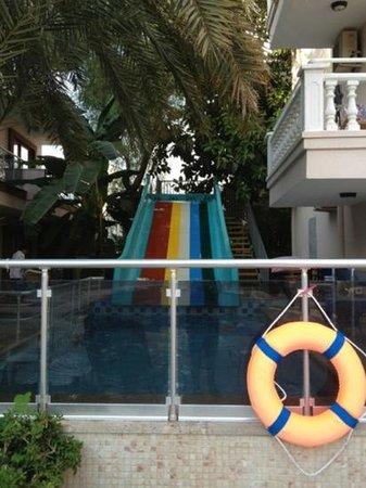 Kibele Apartments: Başlık ekle