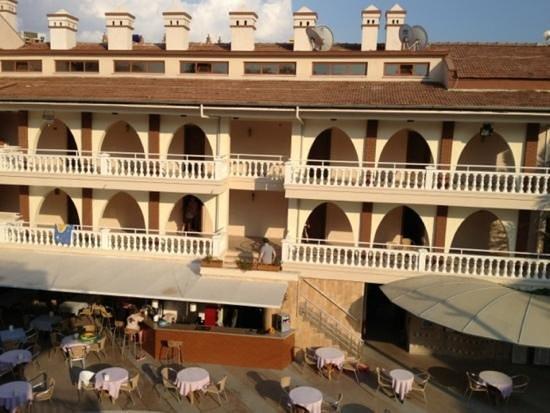 Romance Club Hotel: Başlık ekle