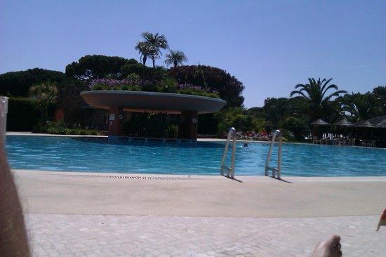 Falesia Hotel: piscina exterior