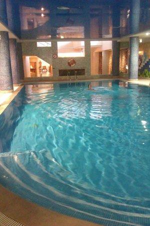Falesia Hotel: piscina cubierta