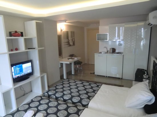 Harbiye Residence : Standard Room with slippers