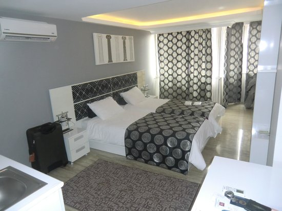 Harbiye Residence: Standard Room with slippers