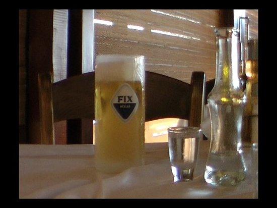 Ambrosia Taverna: Fix beer & Raki