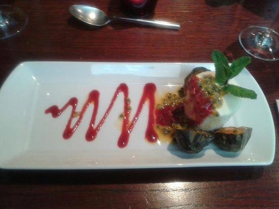 Silk Room Restaurant & Champagne Bar: Probably the nicest pudding I have ever had