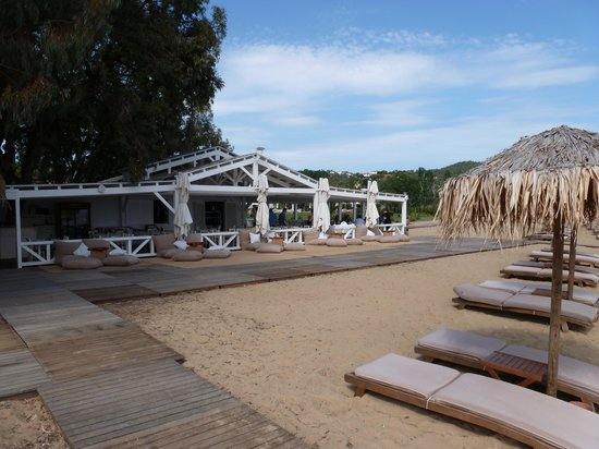 ساكياثوث برنسيس هوتل: Beach Bar / Taverna