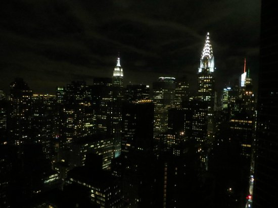 ONE UN New York: Night view