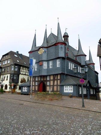 Sonne Stuben: 10-türmiges Rathaus, Frankenberg/Eder