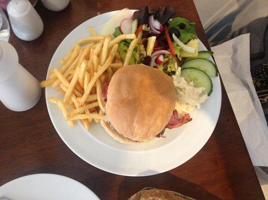 Cafe Impromptu: Aberdeen Angus burger