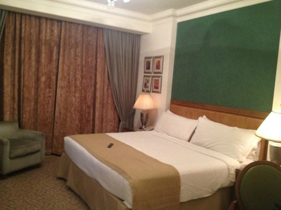 Sonesta Hotel, Tower & Casino Cairo: Room