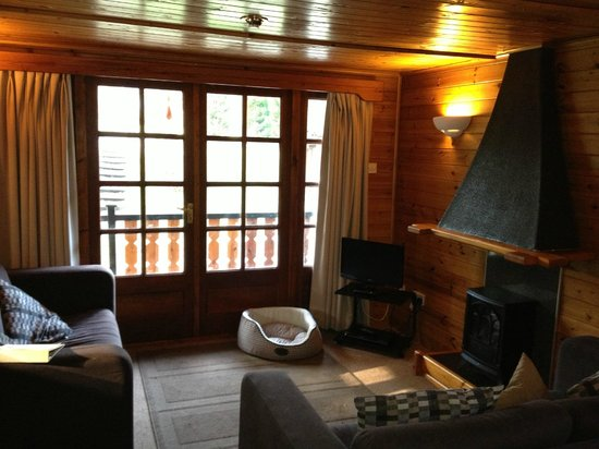 Pine Bank Chalets: Living area