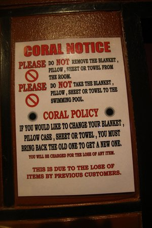 Coral Bungalows: Kolejne zakazy