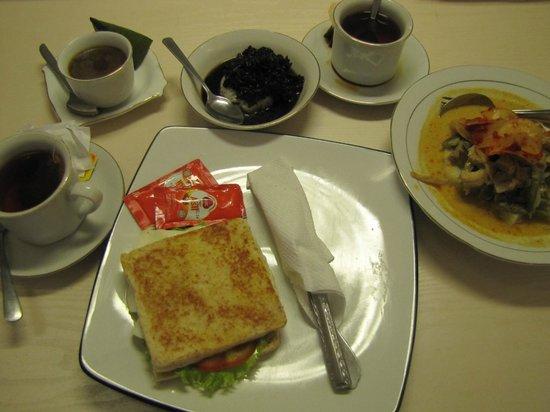 Diniya Suasso Hotel: bfast in bed