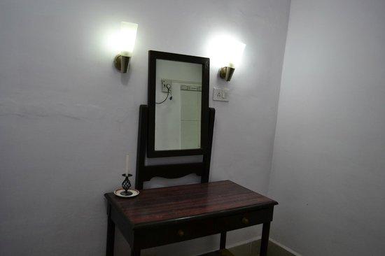 Satpura Retreat: Dressing Room