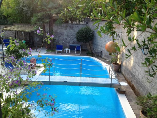 Villa Adriana Guesthouse Sorrento: Swimming pool