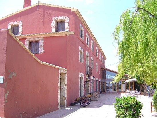 Hotel Restaurante Rural Caseta Nova: Side view
