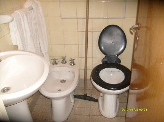 Parana Hotel Plaza Jardin: Baño
