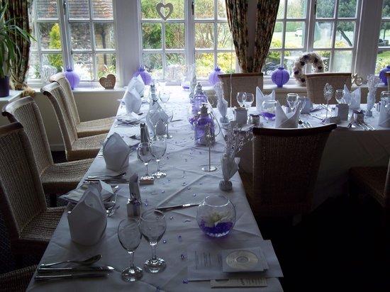 Wallett's Court Hotel Restaurant: The table set