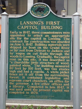 ‪Lansing's First Capital Building‬