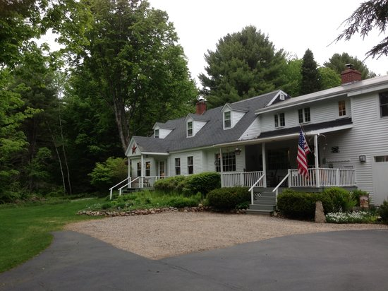 Buttonwood Inn on Mount Surprise: The inn