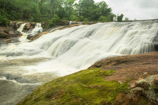 High Falls State Park: Falls beside the hiking trail