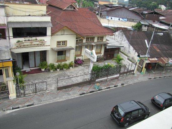 Hotel Grand Kartini : View from hotel balcony