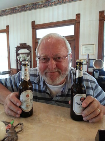 Woodbine Hotel and Restaurant: Werner with his German beers