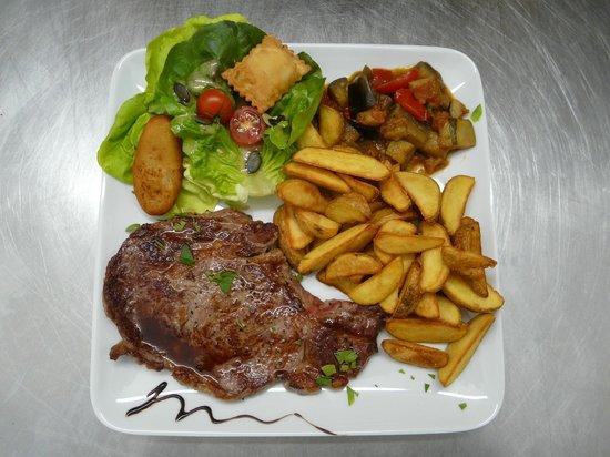 Hotel d'Izoard : Repas avec produits locaux