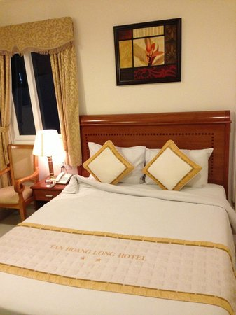 Tan Hoang Long Hotel: Camera.