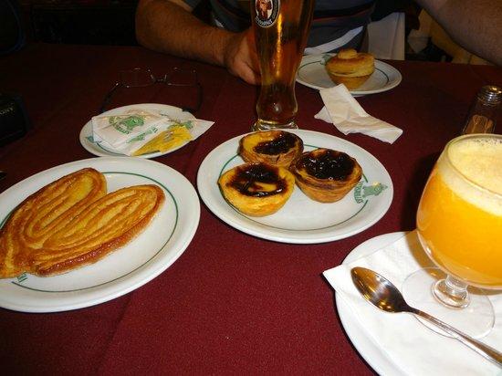 Pastelaria Versailles: palmiere, pastel de nata