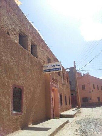 Riad Agraw: outside