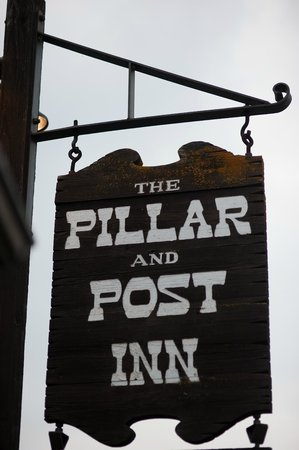 The Pillar and Post Inn, Spa and Conference Centre: Front of Hotel