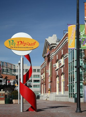 Port Discovery Children's Museum : Exterior