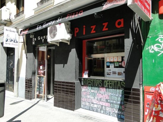 Photo of Italian Restaurant En Guay Si Pizza at Calle Rodriguez San Pedro 34, Madrid 28015, Spain