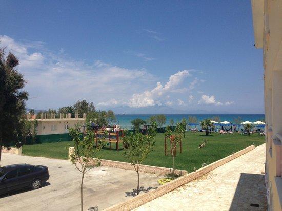 Alykanas Beach Apart-Hotel: playground
