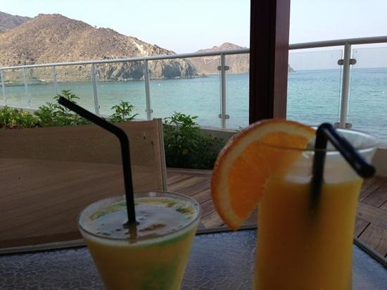 Balcony - Oceanic Khorfakkan Resort & Spa Photo