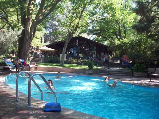 Rankin Ranch: Shaded Pool Area