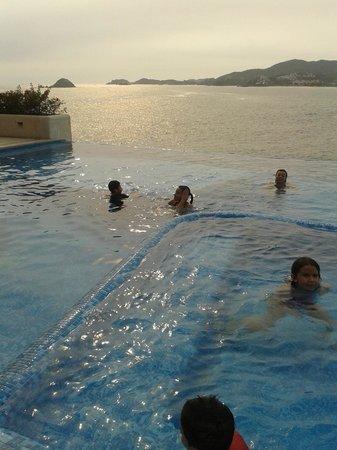 Pacifica Resort Ixtapa: Alberca